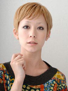 木村カエラ-髪型-金髪ショート