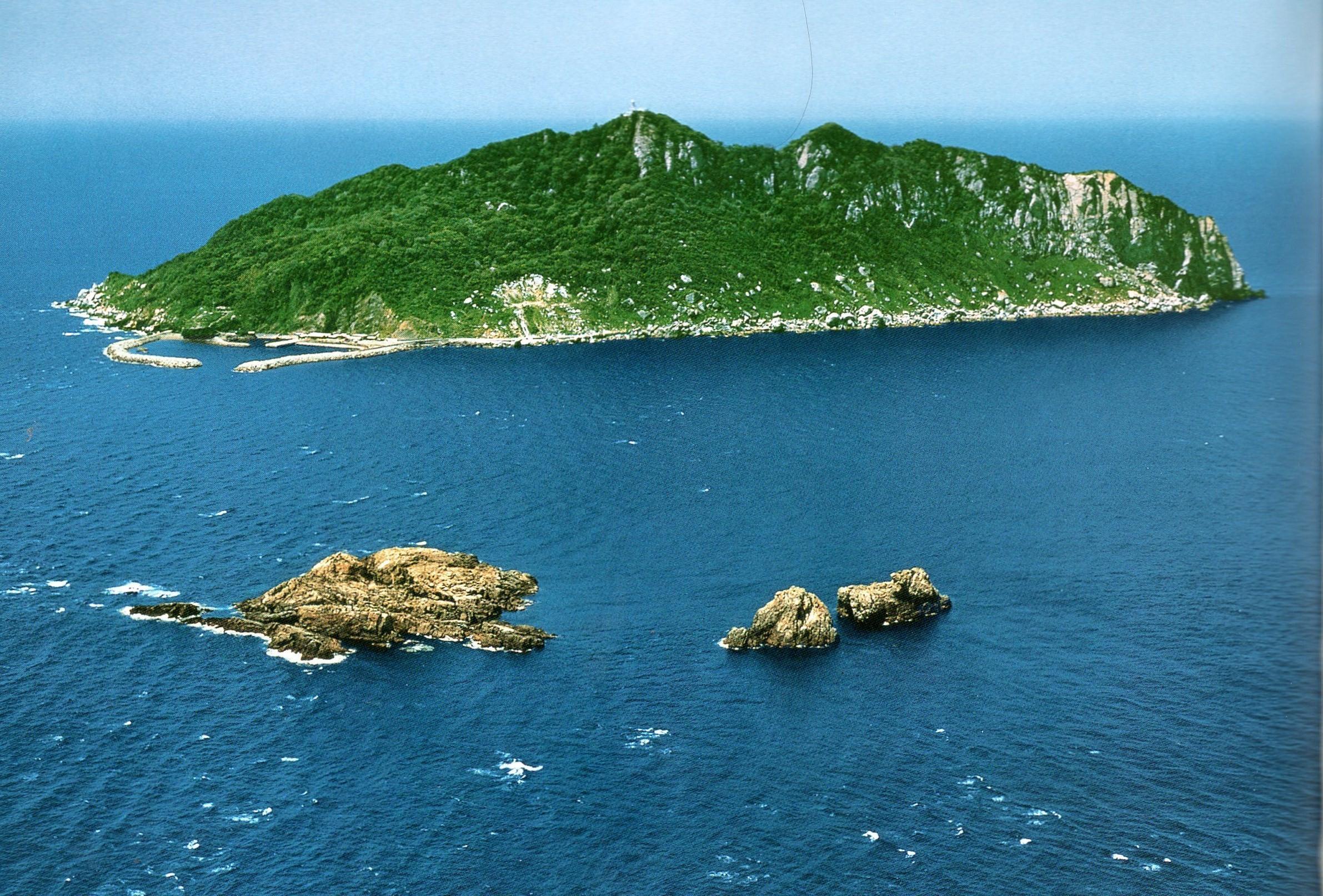 沖ノ島(福岡)への行き方と時間や乗船料金は?上陸申し込み方法も!