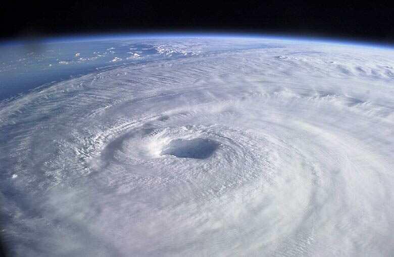 台風18号の新幹線と飛行機への影響は?運休と欠航はどうなる?