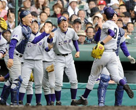 花巻東高校野球部2018の監督や新入部員は?寮費やグランドも調査!