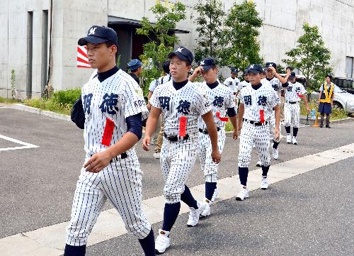 明徳義塾高校野球部2018年メンバーや寮生活は?プロ野球への進路も調査!