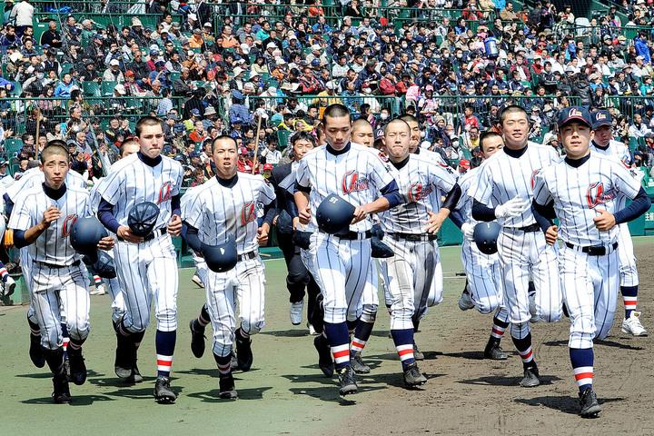 浦和学院野球部2018年のメンバーや監督は?佐野と寮やグランドも調査!