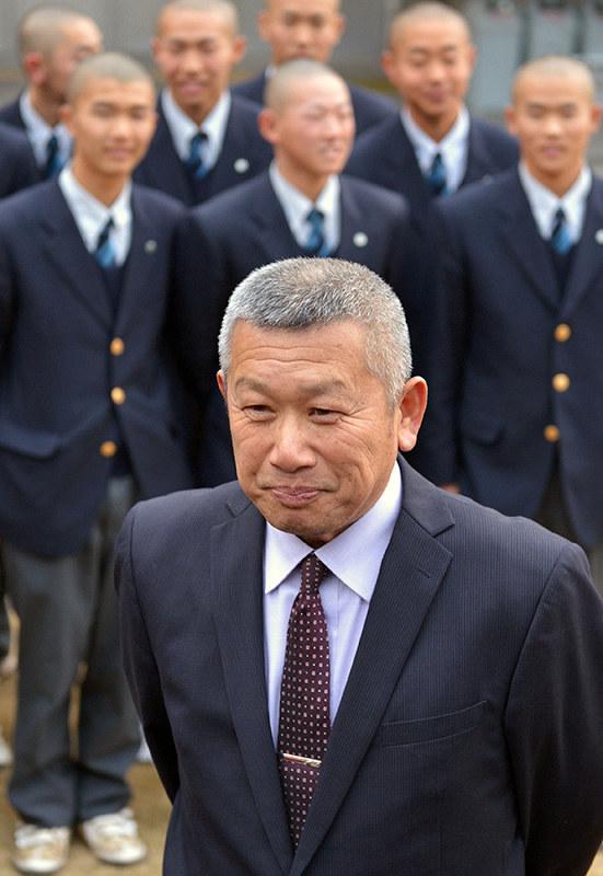 中村信彦監督(市呉)の経歴と野球指導法は?嫁や子供も調査!