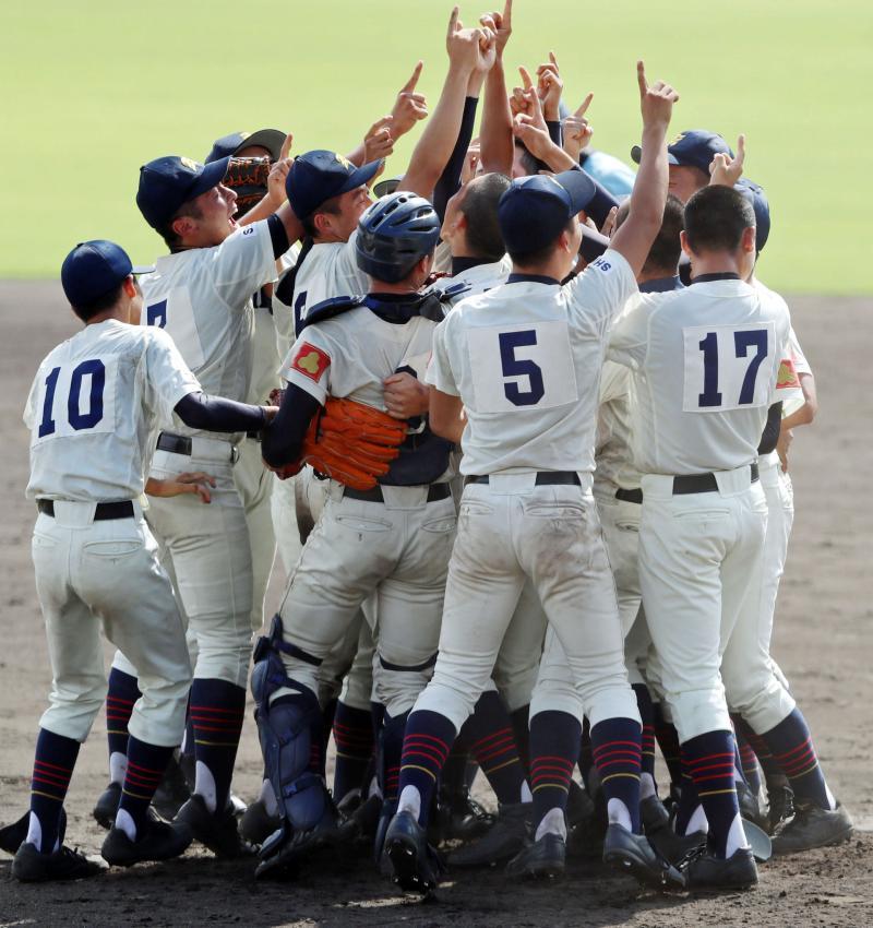彦根東高校野球部の寮やグランドは?部員数や練習もチェック!